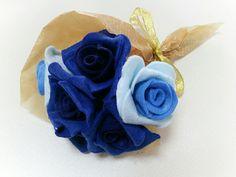 フェルトで薔薇の花束。