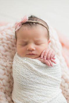Nicole Starr Photography | Saratoga Springs Newborn Photographer | Boston Newborn Photographer | Upstate NY Newborn Photographer | Newborn Photographer | Attleboro Studio session