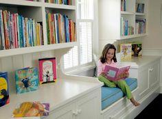 Mindig ilyen ablakpárkányra vágytam! Nem is hinnéd, mi mindenre használhatod! - Bidista.com - A TippLista! Kids Room, Room, House, Shelves, Interior, Home, Windows, Bookcase, Window Seat