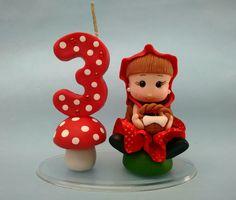 Topo de Bolo tema Chapeuzinho Vermelho feito em biscuit.  Consulte outros temas e personalizações.