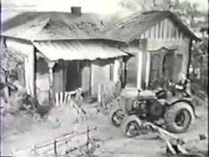 Green Acres was set in Hooterville. In Green Acres, Oliver Wendell Douglas was a… Movies Showing, Movies And Tv Shows, Tv Theme Songs, Tv Themes, Vintage Television, The Lone Ranger, Old Shows, Vintage Tv, Ol Days