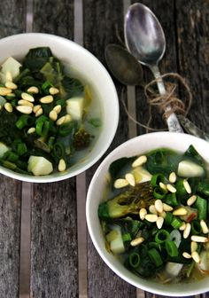 13 recipes to detox your body...   -the Quinoa and the noodles for me.  I'm a no grain kinda gal.  Substitute spaghetti squash.