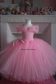 Tutu cute, pretty in pink inspirations! Little Girl Princess Dresses, Princess Tutu Dresses, Dresses Kids Girl, Flower Girl Dresses, Tutu Costumes, Olaf Costume, Fairy Costumes, African Dresses For Kids, Fairy Dress