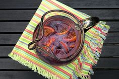 Red Wine Pineapple Sangria - seems similar to the excellent sangria I had in Belize! Non Alcoholic Drinks, Fun Drinks, Cocktails, Wine Pineapple, Red Wine Sangria, Wine Reviews, Wine Cheese, Cellar, Belize