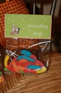 treats for celebrating groundhog day party to make groundhog grub with gummy worms-great DIY party favor and a free printable to make it easy!