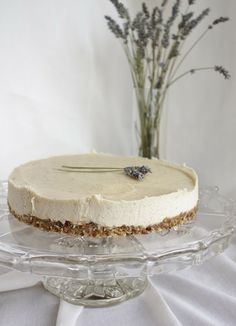 "Looks insanely delicious.This Rawsome Vegan Life: lavender & lemon ""cheesecake"""