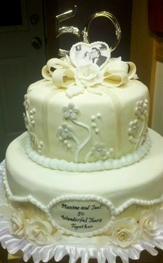 anniversary cakes | 50th Anniversary Cake...its perfect for them!