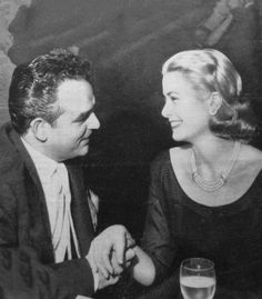 Grace et Rainier lune de miel à Majorque 1956.........THEY SEEMED TO BE VERY COMPATIBLE...........ccp