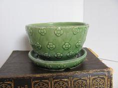 Shawnee Pottery Planter / Flower Pot / by VintageLoversShop, $16.50