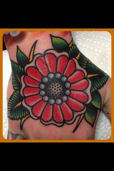tattoo old school / traditional ink - flower @ hand (by Steve Byrne) Flower Tattoo Designs, Tattoo Designs Men, Flower Tattoos, Body Art Tattoos, Hand Tattoos, Girl Tattoos, Tatoos, Traditional Ink, Traditional Tattoos