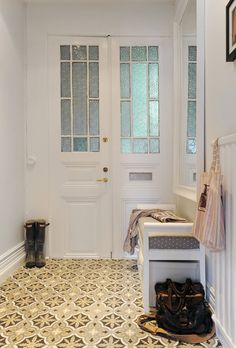 Entrance Hall Decoration Ideas to Help You Make the Most of Your Entry – Adorable Home Decoration Hall, Entrance Hall Decor, Decoration Entree, Entry Hall, Entrance Halls, Mini Loft, Hall Tiles, Style Tile, Interior Exterior