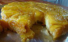 Ingredientes: Massa: 2 xícaras de açúcar 3 ovos inteiros 2 colheres de (sopa) de margarina 1 e 1/2 xícaras de farinha de trigo 200 ml de leite ou 1 copo pequeno 1 colher (sopa) de fermento para bolo Calda: 1 e 1/2 xícaras de açúcar 1 abacaxi cortadinho ou em rodelas grossas ou picado, como …