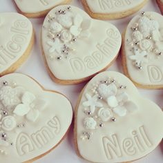 Ivory Personalised Wedding Favour Cookies With Flowers Silver Dragees Cookiedeliciousco