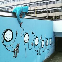 Bob here. Art is easy you say? No way! Look at Chaz risking it all in order to make our mural better than the @dface_official wall around the corner. The upside downer The old lean over. Call it what you will. The @studenthotel has never seen action like this. No safety net? I call that commitment! #riskingitall #dangermoney #stuntman by thelondonpolice from #instagram