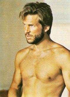 Young Jeff Bridges...wow! And, yes, I do realize I wasn't even born yet when this picture was taken.