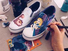 alice_in_wonderland_shoes_by_bobsmade-d973eee.jpg (960×717)