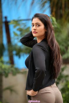 Top 100 Hottest Desi Girls Wallpapers of Pakistani Indian Girls Beautiful Girl Photo, Beautiful Girl Indian, Most Beautiful Indian Actress, Cute Girl Photo, Cute Beauty, Beauty Full Girl, Beauty Women, Beautiful Bollywood Actress, Beautiful Actresses