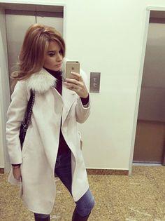 Холод в городе: что российские звезды носят осенью - Ксения Бородина