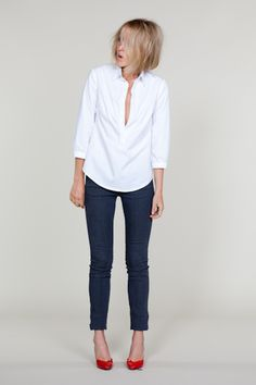 White Shirt / Skinny Jeans / Red Pumps