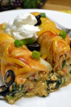chicken enchiladas made with ricotta cheese and spinach Mexican Food Dishes, Mexican Food Recipes, Main Dishes, Spinach Enchiladas, Chicken Enchiladas, Quesadillas, Burritos, Empanadas, Great Recipes
