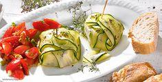 Rezept: Zucchini-Fetakäsepäckchen mit bunter Tomatensalsa