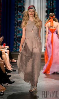 By Malina - Pret a porter - Primavera-Estate 2014 - http://it.flip-zone.com/fashion/ready-to-wear/independant-designers/by-malina-4326 - ©PixelFormula