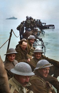 Colorized Photos Bring the Real Dunkirk Evacuation to Life Colorized Photos, Ww2 Photos, History Photos, Colorized History, Military Photos, Military History, Dunkirk Evacuation, British Soldier, British Army