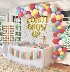 Donut Party First Birthday Party ideas. Donut grow up. First Birthday Party Themes, Donut Birthday Parties, Girl Birthday Themes, Birthday Party Decorations, Birthday Ideas, First Birthday Balloons, 10th Birthday, Donut Party, Sundae Party