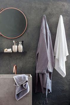 Harmonious scandinavian style bathroom Bathroom Hooks, Bathroom Ideas, Bathroom Styling, Scandinavian Style, Towel, Decorating Bathrooms