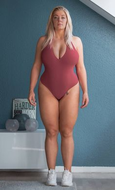 Perfect Woman, Perfect Body, Maternity Tunic, Types Of Girls, Plus Size Beauty, Plus Size Lingerie, Big And Beautiful, Beautiful Women, Sexy Women