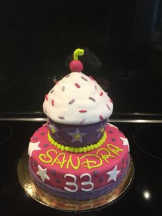 #Cake #XXLCupCakes