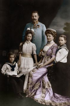 Family portrait photo of Archduke Franz Ferdinand of Austria, his wife Sophie and their children.