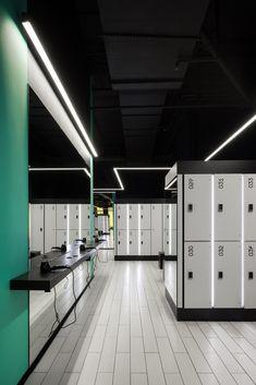 Home Gym Design, Modern House Design, Public Shower, Gym Interior, Interior Architecture, Sports Locker, Locker Designs, Public Bathrooms, Sport Hall