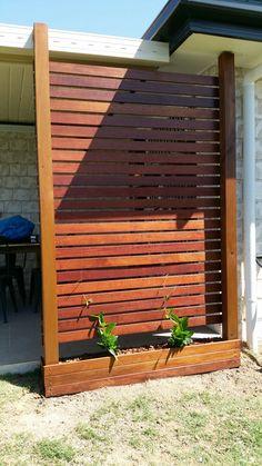 New privacy screen outdoor porch planter boxes ideas Backyard Privacy Screen, Privacy Trellis, Privacy Planter, Wall Trellis, Outdoor Privacy Panels, Wooden Screen Door, Wooden Wall Panels, Screened In Patio, Backyard Patio