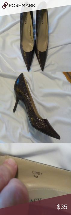 "NWOT Ellen Tracy croc embossed heels New without tags. Ellen Tracy brown leather, croc pattern 3"" heels. The style is Cindy. Ellen Tracy Shoes Heels"