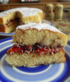 The English Kitchen: Blackcurrant Jam Cake