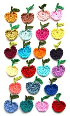 Little crochet apple appliques, motifs ingthings: I'd like to be under an appletree..(diy)