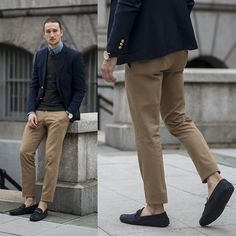 Get this look: http://lb.nu/look/7878648  More looks by Marcel Floruss: http://lb.nu/marcelfloruss  Items in this look:  Tommy Hilfiger Navy Blazer, Boglioli Cotton Chinos, Tod's Leo Loafers   #casual #chic #dapper