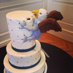 21 Unique wedding cakes that make getting married seem anything but boring: Unique wedding cakes