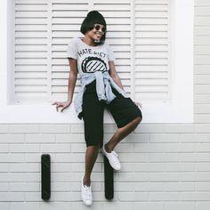 LOOKSLY -  Larissa Cunegundes com t-shirt do Verão 2017