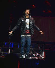 """New Music: PARTYNEXTDOOR """"Persian Rugs""""- http://getmybuzzup.com/wp-content/uploads/2014/02/256519-thumb.jpg- http://getmybuzzup.com/new-music-partynextdoor-persian-rugs/- By Mr.North Following a stellar 2013 highlighted by his self-titled debut project and touring with Drake, PARTYNEXTDOOR starts the new year off with the seductive """"Persian Rugs."""" OVO Sound's singer-songwriter sings to the ladies, over a soft timid cut covered in piano keys, fitting for the ...-"""