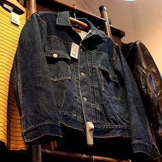 1950s LEVIS 507XX Size 38 #vintage #vintageclothing #levis#vintagelevis#507xx… Denim Vintage, Vintage Jacket, Levis Jean Jacket, Denim Jeans, Fashion Wear, Work Fashion, Nice Jackets, Diesel Jacket, Levis 501