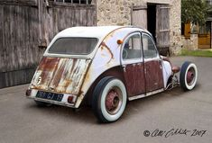 Citron 2CV RatRod... not your normal rat by any means. Interesting idea.