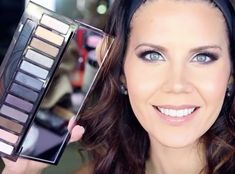 10 Urban Decay Smoky Palette Tutorials That Will Teach You How To Use All 12 Pretty Shadow Shades