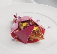 Foie gras doré, fraises et pain d'épices