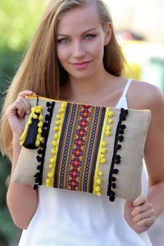 women-ethnic-striped-black-yellow-pompom-clutch chiccy   Trendyol    -  #fabriccraftsCanvas #fabriccraftsChristmas #fabriccraftsCotton #fabriccraftsFashion #fabriccraftsFatQuarters #fabriccraftsFleece #fabriccraftsPatterns #fabriccraftsPreschool Diy Fashion, Fashion Bags, Shabby Chic Stil, Ethno Style, Ethnic Bag, Diy Clutch, Diy Bags Purses, Embroidery Bags, Boho Bags