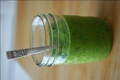 Top 10 Green Smoothie Recipes for International Green Smoothie Day: Holly's Green Smoothie: Healthy Green Kitchen