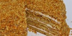 Medovik: amazing sweet from Russia … – Pastry World Czech Desserts, Greek Desserts, Honey Recipes, Greek Recipes, Greek Cake, Low Calorie Cake, Food Network Recipes, Cooking Recipes, Homemade Honey Mustard