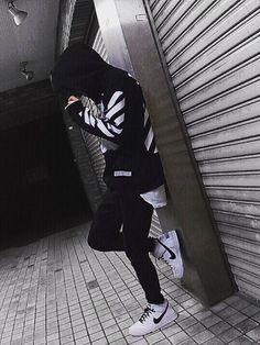 モノトーンコーデです Fashion Mode, Urban Fashion, Boy Fashion, Korean Boys Ulzzang, Ulzzang Boy, Korea Boy, Photography Poses For Men, Boys Dpz, Stylish Boys