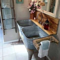 You would feel homey when you have a farmhouse small bathroom in your beloved house. All part of farmhouse bathroom decor ideas. These farmhouse small bathroom ideas will fit on your needs. Primitive Bathrooms, Rustic Bathrooms, Rustic Kitchen Sinks, Kitchen Ideas, Kitchen Country, Kitchen Island, Outdoor Sinks, Rustic Bathroom Designs, Wash Tubs